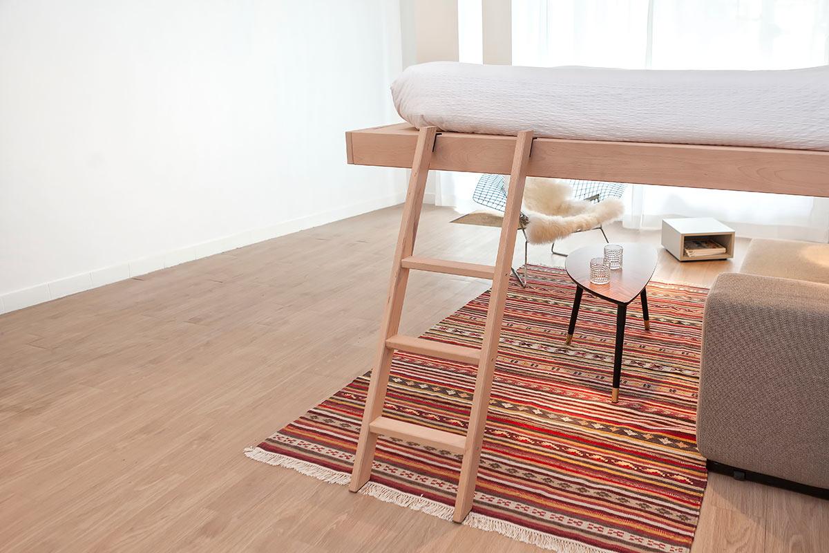 lit au plafond : un cocoon design, pratique et douillet par bedup