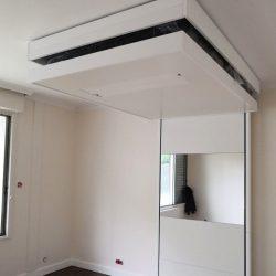 lit au plafond lit escamotable gain de place suspendu par cables